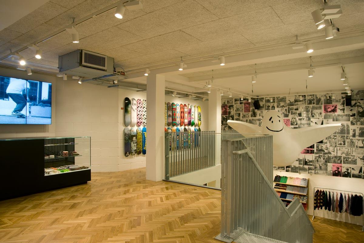 Studio Oscar - SUPREME LONDON